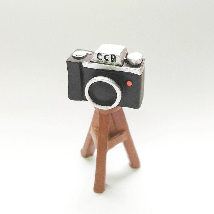 日本 Decole 雜貨 小擺飾 單眼相機腳架 Pattern Safari 狩獵隊 公仔